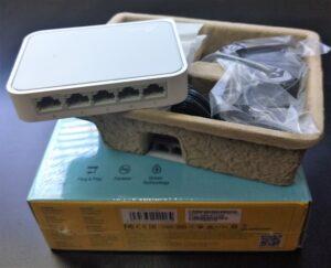 Switch TP-Link Modelo TL-SF1005D(UN)